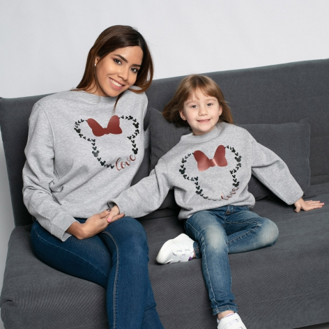 Gray Minnie Love sweatshirt