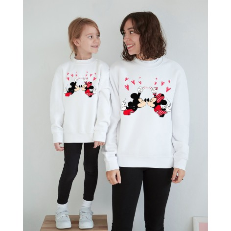 Minnie Love Mickey sweatshirt